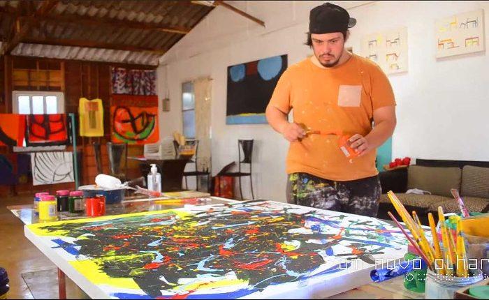 Artista com Síndrome de Down, Lucio Piantino se apresenta no Um Novo Olhar
