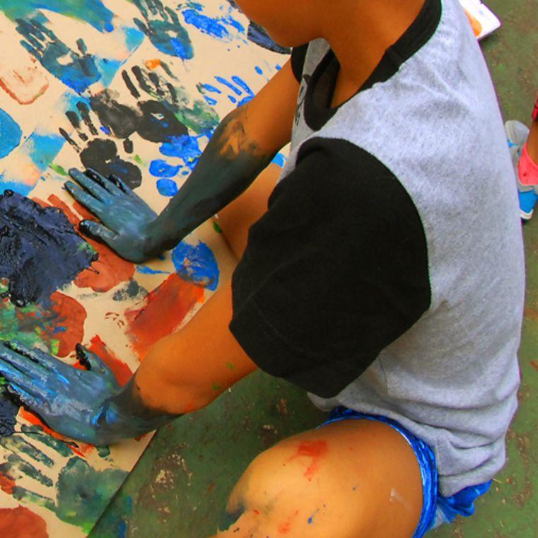 Um Novo Olhar:  Ensino de Artes Visuais e Acessibilidade